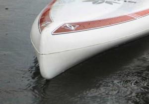 Verdrängerrumpf eines Stand Up Paddle Boards