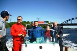 Stand Up Paddel Board Übergabe an die Wasserwacht Potsdam