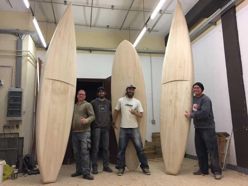 Unsere glücklichen Kunden mit ihren selbstgebauten Standup Paddle Boards