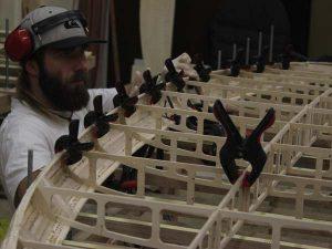 Holz SUP Boardbau Workshop - Sidewalls aufbauen