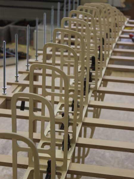 Holz SUP Boardbau Workshop - die Rippen zusammensetzen